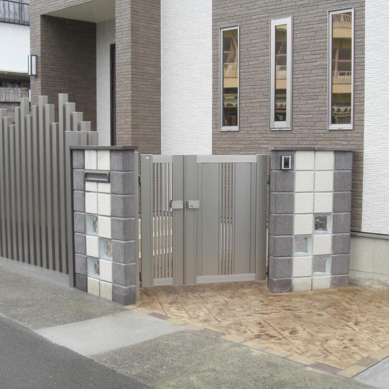 遊び心を交えた門まわりが特徴のエクステリア